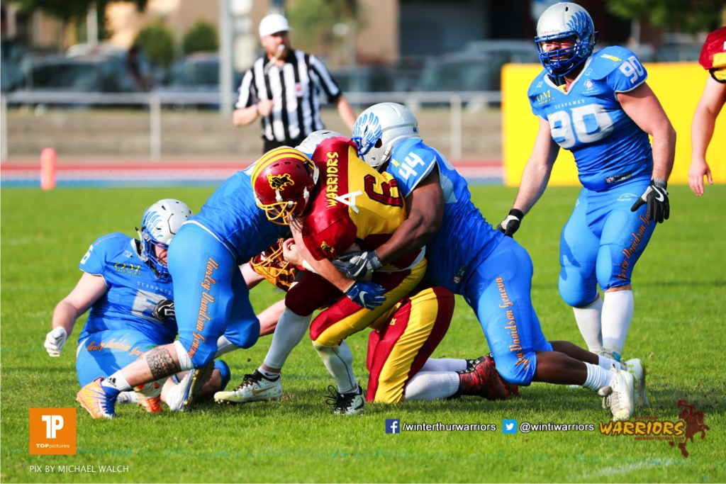 Beim US-Sports spiel der American Football  zwischen den Winterthur Warriors und den Geneva Seahawks, on Saturday,  12. May 2018 im Sportpark Deutweg in Winterthur . (TOPpictures/Michael Walch) Bild-Id: WAM_40019