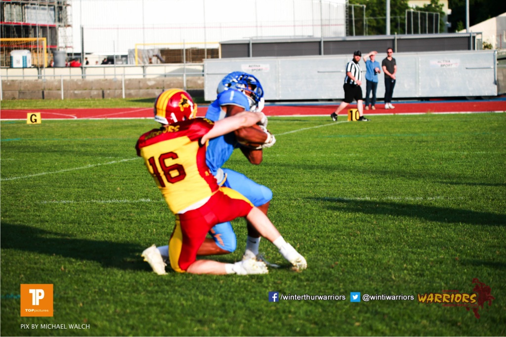 Beim US-Sports spiel der American Football  zwischen den Winterthur Warriors und den Geneva Seahawks, on Saturday,  12. May 2018 im Sportpark Deutweg in Winterthur . (TOPpictures/Michael Walch) Bild-Id: WAM_40057