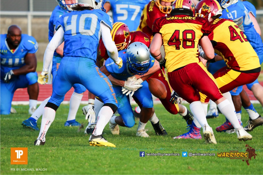 Joel Muntwyler #48 (Winterthur),beim US-Sports spiel der American Football  zwischen den Winterthur Warriors und den Geneva Seahawks, on Saturday,  12. May 2018 im Sportpark Deutweg in Winterthur . (TOPpictures/Michael Walch) Bild-Id: WAM_40079
