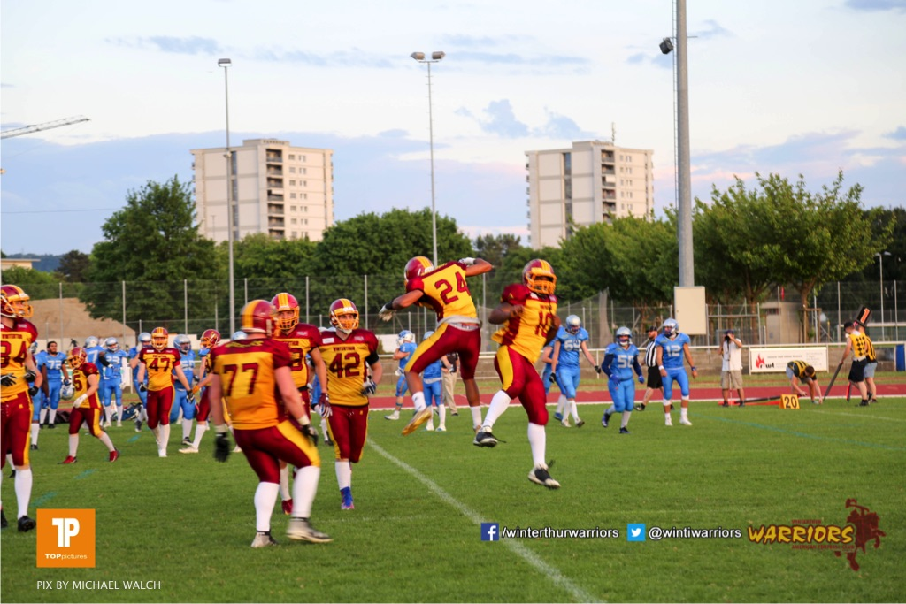 Freud beim US-Sports spiel der American Football  zwischen den Winterthur Warriors und den Geneva Seahawks, on Saturday,  12. May 2018 im Sportpark Deutweg in Winterthur . (TOPpictures/Michael Walch) Bild-Id: WAM_40087