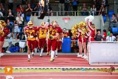 Yves Reitmann #43 (Winterthur) beim Einlaufen,beim US-Sports spiel der American Football  zwischen den Winterthur Warriors und den Geneva Seahawks, on Saturday,  12. May 2018 im Sportpark Deutweg in Winterthur . (TOPpictures/Michael Walch)  Bild-Id: WAM_39975