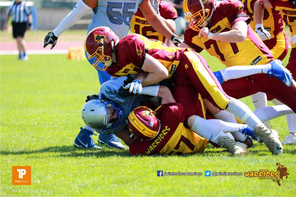 Beim US-Sports spiel der American Football  zwischen den Winterthur Warriors und den Geneva Seahawks U19, on Saturday,  12. May 2018 im Sportpark Deutweg in Winterthur . (TOPpictures/Michael Walch) Bild-Id: WAM_39850