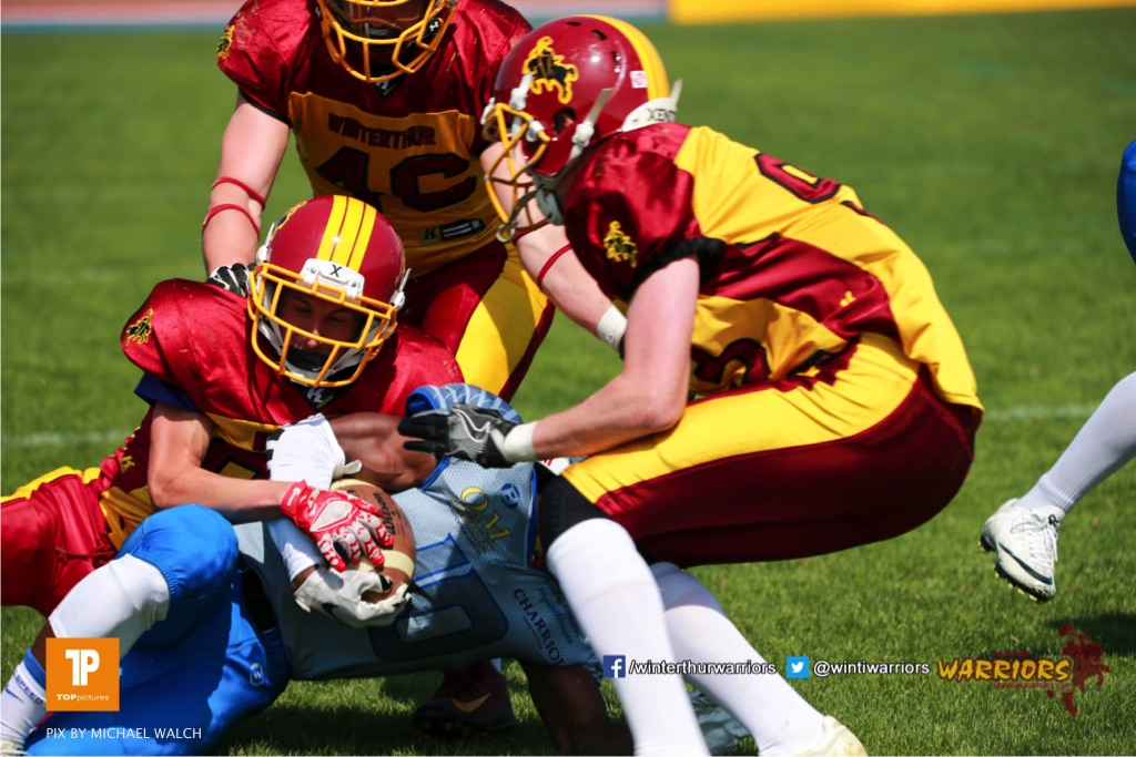 Beim US-Sports spiel der American Football  zwischen den Winterthur Warriors und den Geneva Seahawks U19, on Saturday,  12. May 2018 im Sportpark Deutweg in Winterthur . (TOPpictures/Michael Walch)Bild-Id: WAM_39870