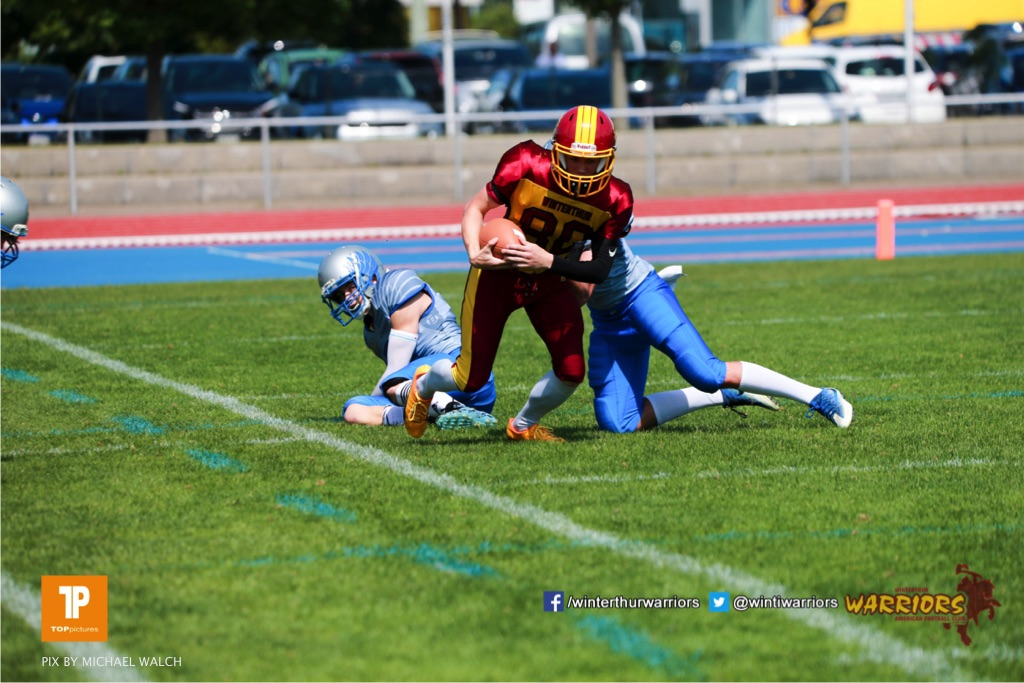 Beim US-Sports spiel der American Football  zwischen den Winterthur Warriors und den Geneva Seahawks U19, on Saturday,  12. May 2018 im Sportpark Deutweg in Winterthur . (TOPpictures/Michael Walch)Bild-Id: WAM_39881