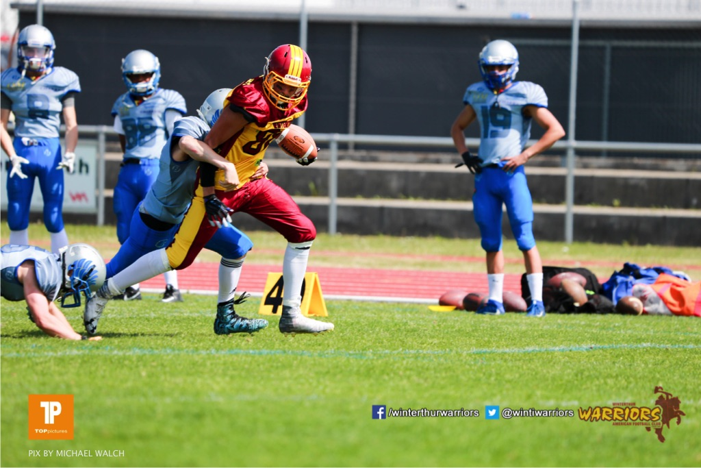 Beim US-Sports spiel der American Football  zwischen den Winterthur Warriors und den Geneva Seahawks U19, on Saturday,  12. May 2018 im Sportpark Deutweg in Winterthur . (TOPpictures/Michael Walch)Bild-Id: WAM_39891